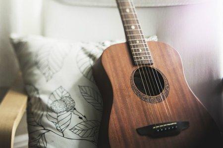ギターの弦交換のすヽめ!初心者でも簡単にできる方法詳しくご紹介!|YOURMYSTAR STYLE by ユアマイスター
