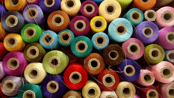 シルクを作る絹の糸