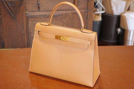 0d70da7a6dc49 そういう鞄って、使う気にもならないし、でも捨てる勇気もなく、ずっと置いたままにしていることが多いと思います。