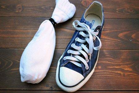 靴の消臭は10円玉で!プロ直伝の臭い対策やおすすめ消臭スプレー